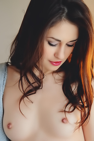 Glamour Perky Titted Lilian A