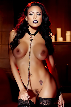 Big Boobed Hottie Luna Star