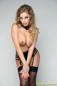 Britney Amber Perfect Curvy Model