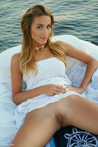 Absolute Beauty Erotic Girl Cara Mell