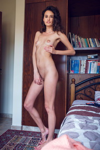 Leggy Ukrainian Cristin With Delicious Ass And Shaved Pussy