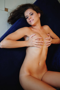 Naked And Gorgeous Teen Girl Etna