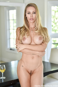 Nicole Aniston Received Big Load Deep Inside Her Tight Twat