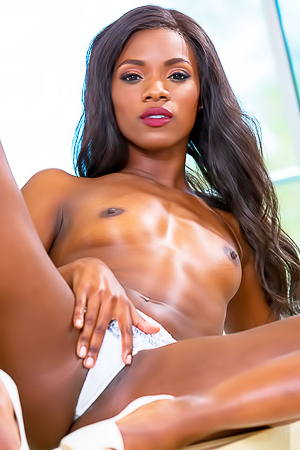 Ebony Star Ana Foxxx Enjoying Cock Sucking