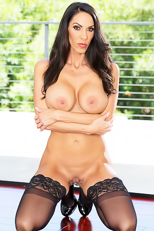 Busty Milf Veronica Rayne In Hot Lingerie
