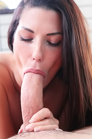 Brunette Alexa Tomas Enjoys An Anal