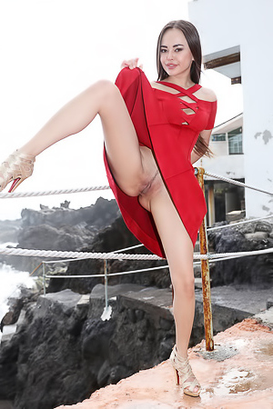 Girl In Red picture gallery