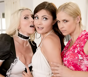 Three Pornstars Eating Pussies