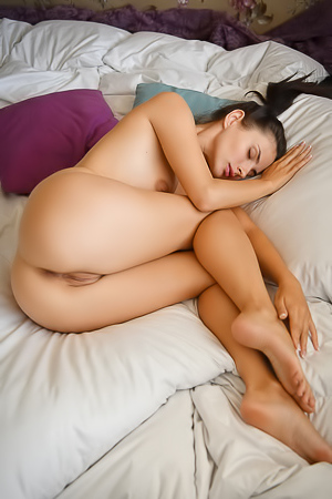 Sweet Jasmine Jazz Stripping In Bed