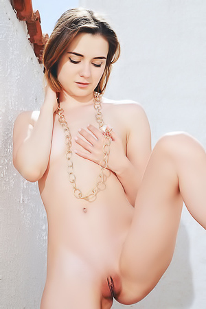 Sexy Teen Model Alice Shea Posing Totally Naked