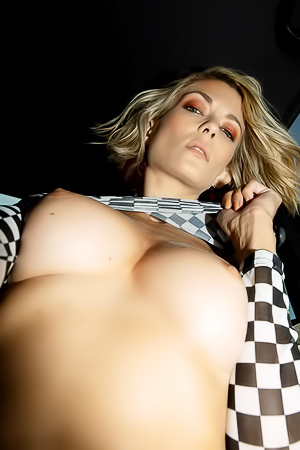 Anna Lisa Wagner Car Striptease
