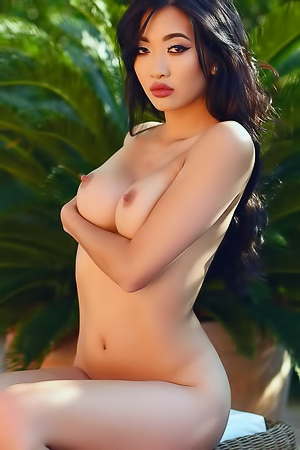 Reina Is One Hot Nude Asian