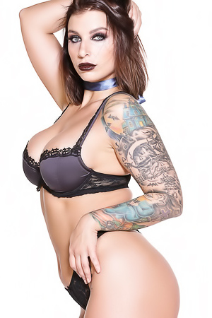 Ivy Lebelle In Luxurious Gothic Black Lace Lingerie