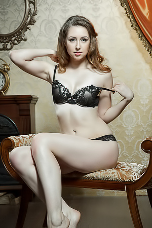 Erotic Beauty Dara W In Sexy Black Lingerie