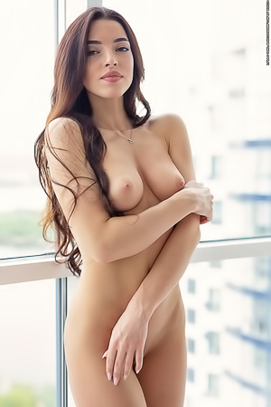 Rachel Shows Off Her Amazing Naked Body