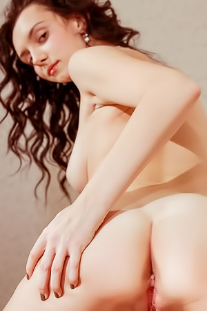 Anatali - Shaved curly model with an incredible body is here to please
