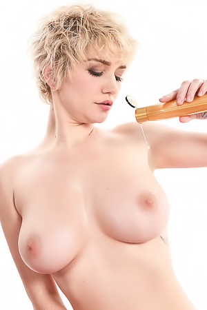 Skye Blue Take Off Her Bikini And Masturbate With Dildo