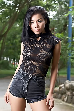 Beauty Asian Model Aliyah