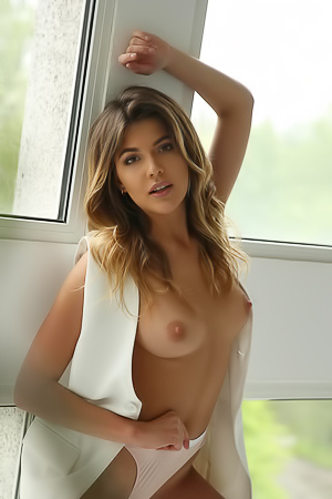 XoxyQ Sexy Nude Girl With Hot Body