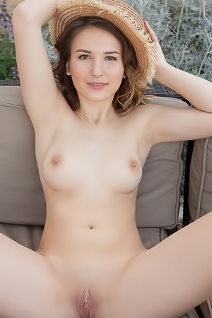 Anata - Totally naked brunette gets a perfect tan