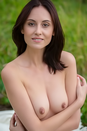 Sade Mare Presents Great Nude Shots
