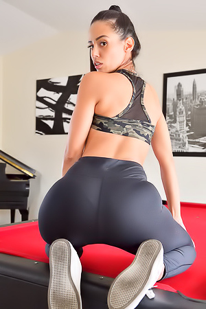 Sexy Fitness Look porn pic gallery