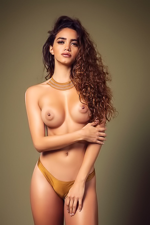 Reva in Playboy Mexico