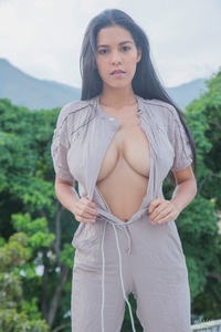 Amazing Busty Girl Kendra Roll