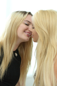Blonde College Girls Kenna And Lola